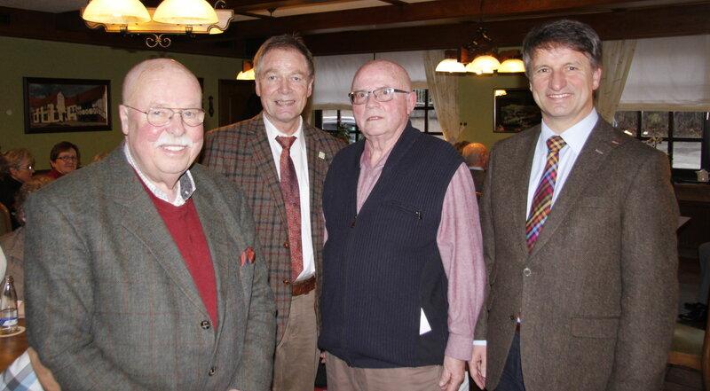 Vorne v.l.n.r: Dr. Eckart Weiß, Hubertus Fehring, Paul Prante, Michael Stickeln